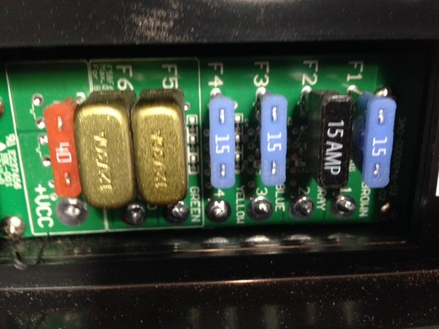 Why are one of my 15A fuses black and two of the 30A fuses gold-ish in my  travel trailer?   Subaru Ascent ForumSubaru Ascent Forum